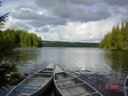 Glaskogen Kanadier am Ufer